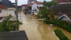 Salah satu gang yang menjadi langganan banjir