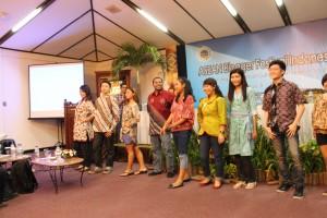 Batik Perform