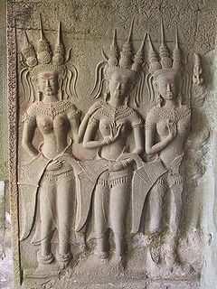 relief bidadari di angkor Wat (sumber foto)